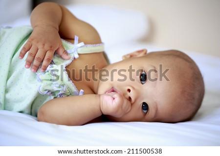 how to avoid baby sucking her thumb