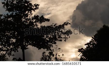 Atardeceres en Puerto Rico, foto tomada a las 6:45 P. M. en mi pueblo de Cidra, interior de la isla de Puerto Rico. Foto stock ©