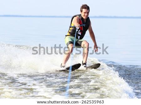 Фотография с фотобанка. Водные лыжи
