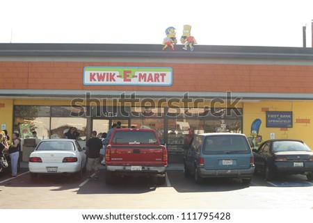 "Atmosphere at a 7-11 Convenience Store that has been transformed into a ""Kwik-E-Mart"" in order to promote the upcoming ""Simpsons"" Movie, Burbank, CA 07-03-07"