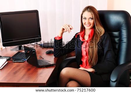 Фото женщины в офисе 79019 фотография