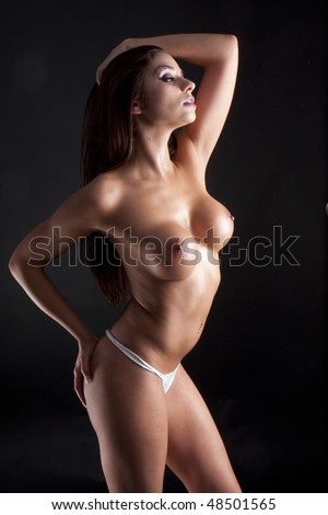 attractive nude brunette