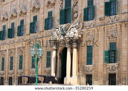 portico Site the langueauberge de castille by night Auberge+de+castille