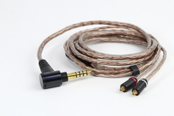 Audiophile 4.4mm trrrs 5 conductor Balanced Connector and MMCX connector on balance cable for high quality sound. professional sound. hi-res support.