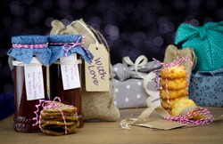 Authentic homemade jams and cookies with fabric gift bags and fabric wrapped gifts. Make, bake, recycle and reuse for sustainable giving for holidays and birthdays