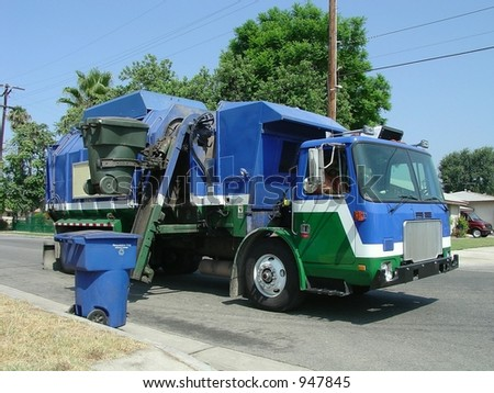 Automated Trash-Recycling Truck