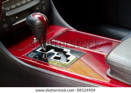 Automatic gear shift handle with mahogany finish