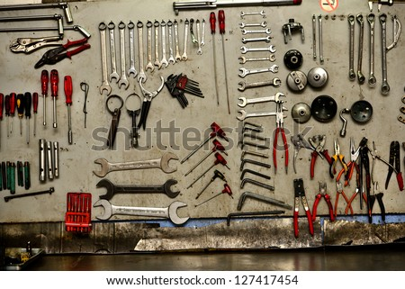 automobile repair and maintenance tools set