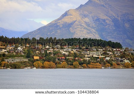 Autumn View of Lake Wakatipu and the Walter Peak in Queenstown, New Zealand.