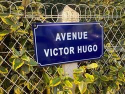 Avenue Victor Hugo street sign