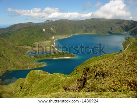 azores lake in the mountains