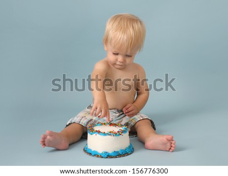 Baby birthday cake smash