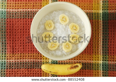 Baby food composed of rice porridge and bananas