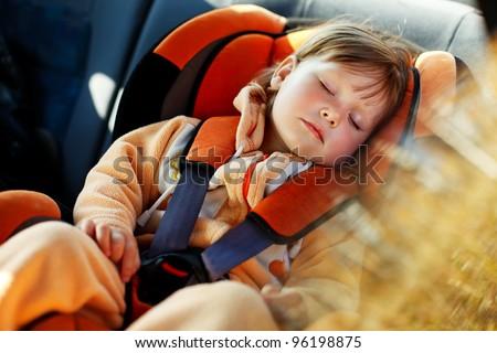 baby girl slip in car