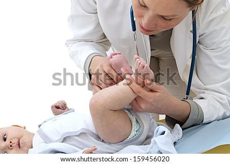 baby medical check up-physical examination