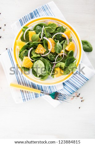 Baby Spinach Salad with Oranges and Sesame Seeds
