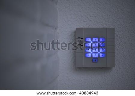 Back-lit security keypad