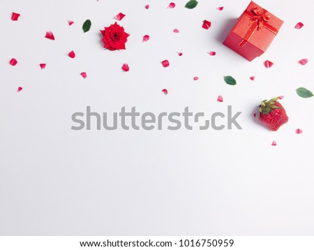Background image, gift for valentine, red box with roses for lovers And white background