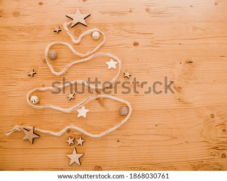 background wooden Christmas tree and stars Stock foto ©
