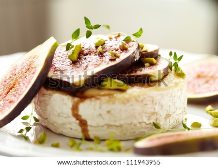 Baked Camembert with Figs, Pistachios and Thyme