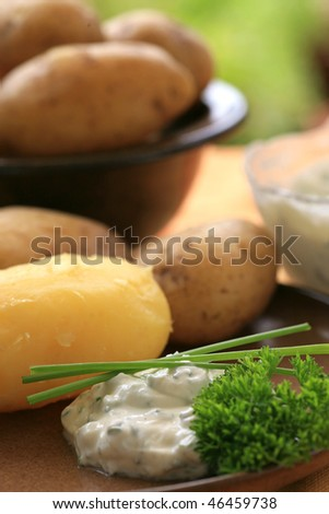Baked potato with quark and herbs