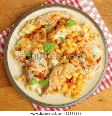 Baked spiral pasta with chicken, bacon and cheese.