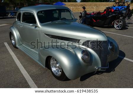 BAKERSFIELD CA APRIL A Local Car Show Favorite This - Bakersfield car show