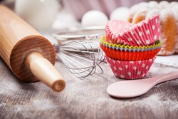 Baking utensils with cupcake cases