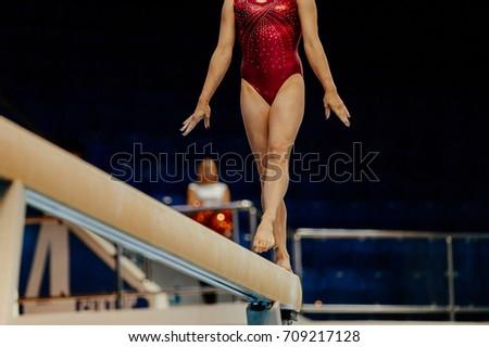 balance beam performance female athletes gymnasts