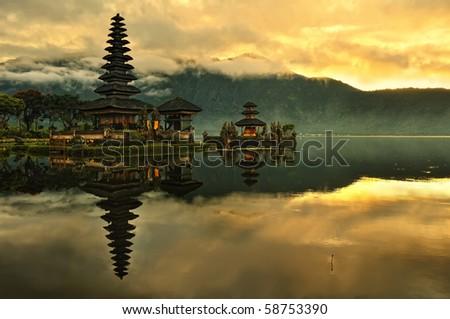 Bali Pura Ulun Danu Bratan Water Temple in sunrise