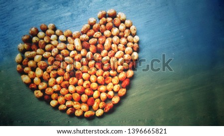 Bambara groundnut in love / heart shape in two color gradation as wallpaper