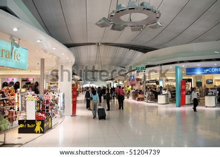 BANGKOK - JANUARY 27: Shopping area at Bangkok Suvarnabhumi International Airport on January 27, 2009 in Bangkok. The airport is 18th busiest in the world (by passenger traffic).