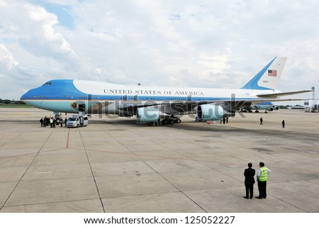 BANGKOK - NOV 18: Air Force One sits on the tarmac at Don Muang International Airport as US President Barack Obama begins a historic tour of Southeast Asia on Nov 18, 2012 in Bangkok, Thailand.