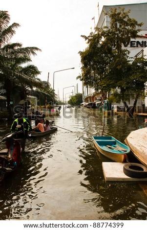 BANGKOK - NOV 14: Bangkok's 2011 flood disaster view of the city November 14, 2011 at Nava Nakorn Industrial Park. Bangkok, Thailand
