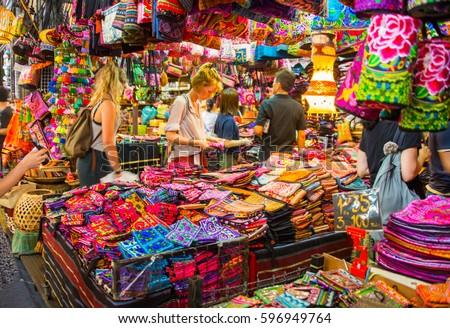 Bangkok Thailand Aug 24 2016 Foreign Tourist Buys Some Thai