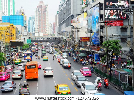 BANGKOK, THAILAND - MARCH 26: Traffic jam on March 26, 2011 in Bangkok. Number of cars on Bangkok's overburdened roads was growing by nearly 500 a day.