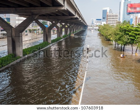 BANGKOK - Viphawadee-Rangsit Road, flooding from monsoon rain in Thailand