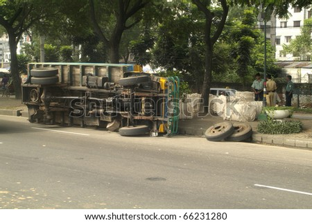 Bangladesh, truck repair in Dhaka