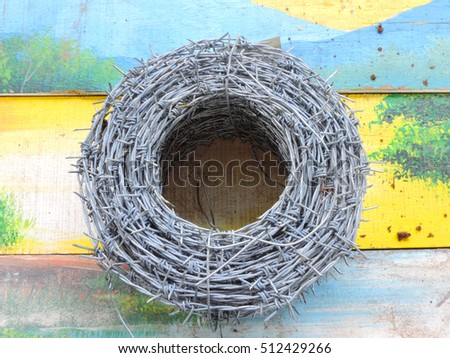 barbed wire           #512429266