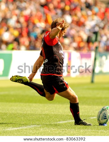 BARCELONA - APRIL 9: Toulons's Jonny Wilkinson in a try during the Heineken European Cup quarter-final match USAP Perpignan against RC Toulon at the Olympic Stadium in Barcelona, Spain on April 9, 2011