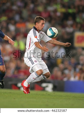 BARCELONA - AUG 22: Footballer Lukas Podolski during a friendly match between Bayern Munich and FC Barcelona at the Nou Camp Stadium on August 22, 2006 in Barcelona, Spain.