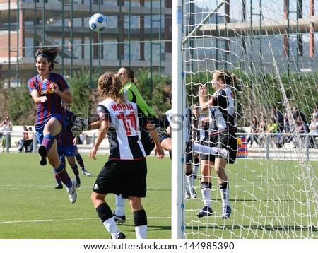 BARCELONA - AUG 18: Marta Cubi, F.C Barcelona women\'s football team player, plays against Levante on August 18, 2009 in Barcelona, Spain.Superliga (Femenine Spanish League) match.