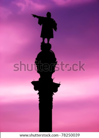 Barcelona Christopher Columbus statue over purple sunset
