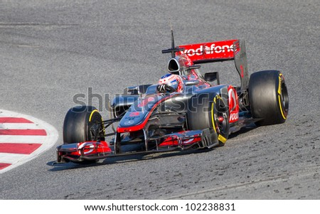 Team Racing Auto Circuit on Team Racing At Formula One Teams Test Days At Catalunya Circuit On