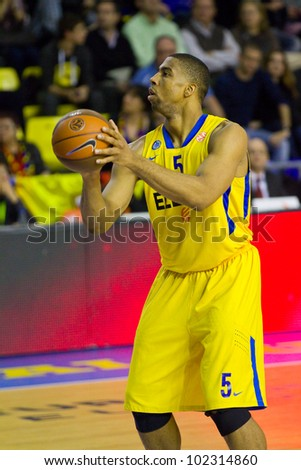 BARCELONA - FEBRUARY 29: Richard Hendrix in action during the Euroleague basketball match between FC Barcelona and Maccabi Tel Aviv, final score 70-67, on February 29, 2012, in Barcelona, Spain.