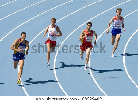 BARCELONA - JULY 28: Some unidentified athletes running at semi-final of 800 meters for men during European Athletics Championships Barcelona 2010, on July 28, 2010 in Barcelona, Spain.