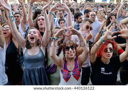 BARCELONA - JUN 17: Crowd in a concert at Sonar Festival on June 17, 2016 in Barcelona, Spain. #440126122