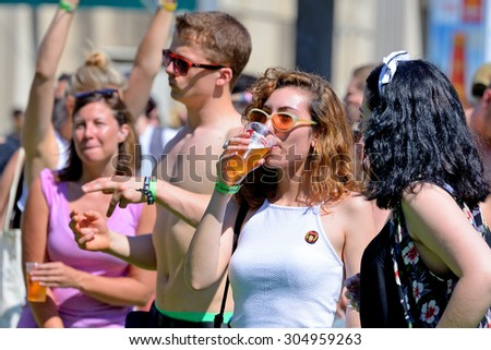 BARCELONA - JUN 18: People at Sonar Festival on June 18, 2015 in Barcelona, Spain. #304959263