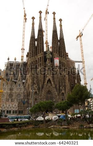 BARCELONA - NOVEMBER 2: The Sagrada Familia awaits the arrival of the Pope Benedict XVI. November 2, 2010 in Barcelona (Spain).
