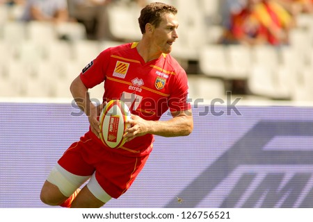 BARCELONA - SEPT, 15: Gavin Hume of USAP Perpignan in action during the French rugby union league match USAP Perpignan vs Stade Toulousain at the Olympic Stadium in Barcelona, on September 15, 2012